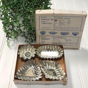 Vintage tartlet tins
